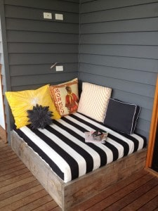front porch daybed