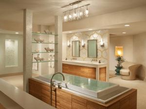Infinity Tub in Spa Bathroom