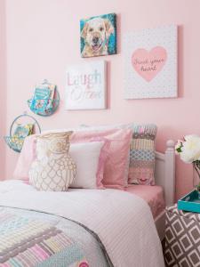 Houzz.com - jo Alcorn- Kids Bedroom Pink with Accessories