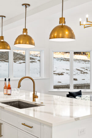 Custom Mountain Home - Eat-in Kitchen Image